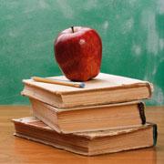 school-apple-on-desk-square